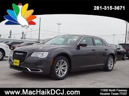 2018 chrysler 300c. perfect 300c new 2018 chrysler 300 touring l inside chrysler 300c e