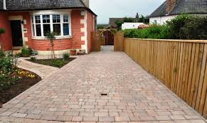 block paving driveway with a nice front