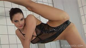 Flexible nude girls vids free