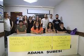 """Üniversiteliler, Suruç Katliamı anmasına saldıran Adana Emniyeti'ni teşhir  etti: """"Gençlik ne gözaltılarla ne tutuklamalarla ne de baskılarla  yılmayacak"""" – Sendika.Org"""