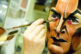 a look at the lion king s gareth saxe terrifying transformation into scar