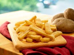 order the por steak fries are the least offensive fries on the menu with 371 calories 17 grams of fat and 224 milligrams of sodium per order