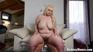 Inked blonde BBW Miss Ling Ling sucks on a fat cock and gets.