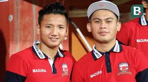 Syahrian abimanyu (born 25 april 1999) is an indonesian professional footballer who plays as a midfielder for malaysian club johor darul ta'zim, and the indonesia national team. Syahrian Abimanyu Tak Sabar Jalani Debut Bersama Madura United Indonesia Bola Com
