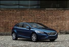 2018 volvo denim blue. contemporary volvo volvo v40 t5 inscription location 34 front on 2018 volvo denim blue m