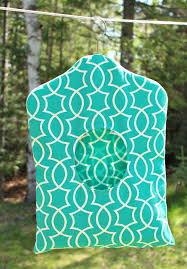 make your own clothespin bag with leftover fabric