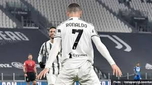 But two minutes later they had real hope when lozano, on his debut following a move from psv eindhoven, slotted in from mario rui's cross to. Highlights Supercoppa Italia Juventus Vs Napoli 2 0 Median Sport