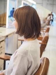 髪が多くてくせ毛大人なショートヘアにするにはが欠かせない
