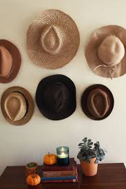 20 Easy Wall Hanging Ideas