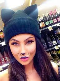 this awesome cat makeup proves that if you have a good base your makeup doesn t have to be too elaborative