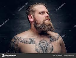 фото человек татуировка человек с быком татуировка на груди