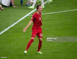 Mikkel Damsgaard of Denmark celebraqtes scoring a free kick during... Foto  di attualità - Getty Images
