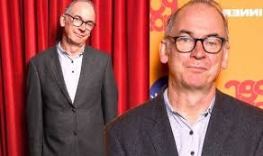 Paul ritter, the british actor who played eldred worple in harry potter and recently starred as the family patriarch in the sitcom friday night dinner, has died of a brain tumor at the age of 54. E7g Vrsrmwzrqm