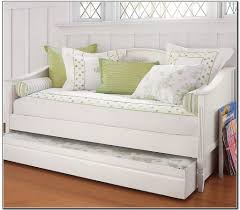 Furniture: Girls Daybed - 17 - Daybed For Girls