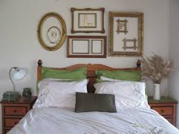 Empty picture frames on wall Shabby Chic Emptyframesaswalldecor6 Greenhomeproinfo 13 Examples To Decorate Home With The Help Of Empty Picture Frames
