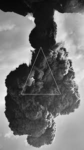 black and white smoke 423x750