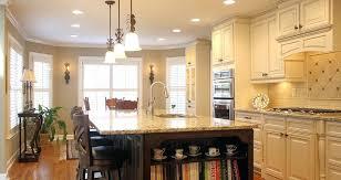 cream maple glaze kitchen cabinets