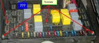 01 ml320 electrical issue mbworld org forums 01 ml320 electrical issue fuse box screws jpg