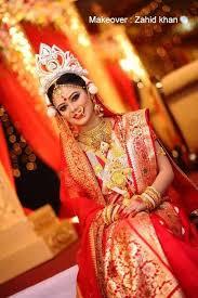 bengali bride perfect look traditional banarasi saree mukut crown shindoor shakha pola traditional bangles a plete look