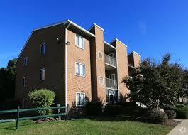 Mallard Courts Apartments For Rent In Alexandria VA ForRent Delectable 1 Bedroom Apartments In Alexandria Va