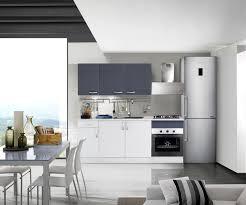 Cucina completa moderna e di design bianco opaco e grigio lucido