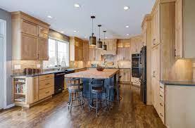 This Amazing Traditional Kitchen Design In Yardley Pa Incorporates Medium Wood Finish Cabine Traditional Kitchen Design Eclectic Kitchen Design Kitchen Design