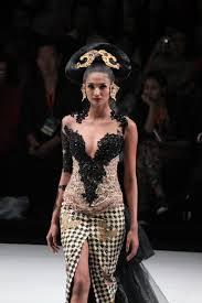 Designer Anne Avantie Boredlistlesstired Indonesia Fashion Week 2014 Legong
