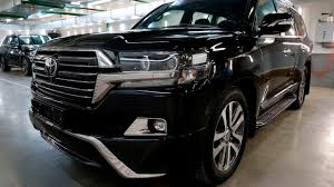 Toyota Land Cruiser 200 Executive Black Detailing by Revolab ...