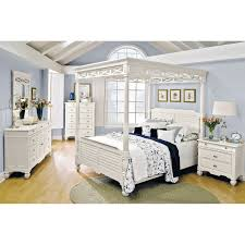 Queen Bedroom Furniture Plantation Cove Queen Canopy Bed White Value City Furniture