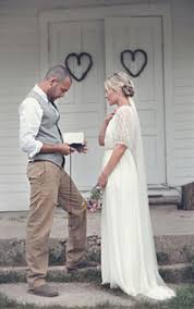 Short Country Style Wedding Dresses With Cowboy Boots 20162017 Vintage Country Style Wedding Dresses