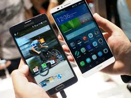 huawei 7 inch phone. sizing up the huawei ascend mate 7 and samsung galaxy note 4 inch phone t