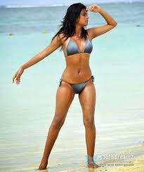 sexy Bollywood actress in Saree   Uzmas Pinterest