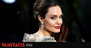 the lipstick red of angelina jolie in