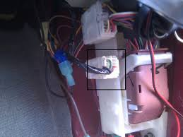 wire colors for reverse lights, 09 le? nissan titan forum nissan murano wiring harness at 2006 Nissan Murano Wire Diagram Tail Lights