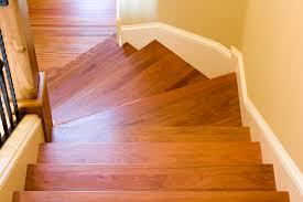 Wenn man jedoch profis beauftragt, dann kann es unter den angeboten. Holztreppe Auffrischen Anleitung In 4 Schritten