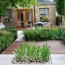 Wood and concrete garden small garden ideas Annaick Guitteny