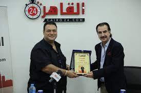 """القاهرة 24 يُكرم مراد مكرم بعد نجاحه في مسلسل """"ليه لأ 2"""""""
