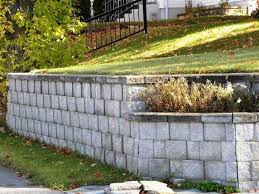 retaining wall from concrete blocks