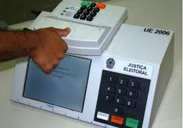 Resultado de imagem para fotos de urnas digitais eletronicas