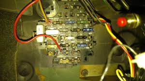 missing fuses jeep cherokee forum xjtalk number 16 has power to the side w o the red wire no power is going to the wire what is this fuse for i don t want to add one because i m not