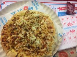 Meia Marguerita E Meia Pepperoni Picture Of Dominos Pizza Rio De