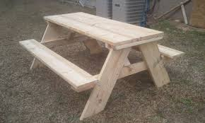 DIY Kids Picnic Table From Pallet Wood  DIY At Needles And NailsHow To Make Picnic Bench