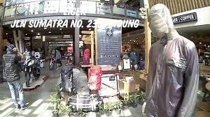 Situbatu no.13, cijagra, lengkong, kota bandung, jawa barat. Eiger Adventure Shop Bandung Lihat Side Box Pannier Motor Youtube