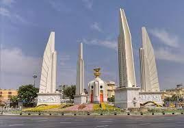 Democracy Monument อนุสาวรีย์ประชาธิปไตย - Bangkok Tourism hub