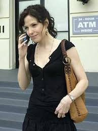 i ve never owed one or really seen anything that caught my eye until my beloved nancy botwin on weeds started carrying around a