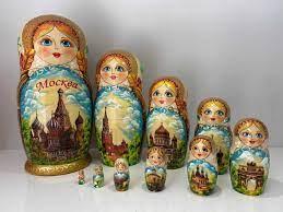 1 trong những bộ Búp Bê Nga đẹp nhất, vẽ về phong cảnh nước Nga