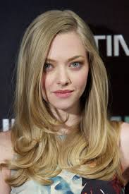 amanda seyfried kept her makeup soft and light with just a touch of lipgloss at a
