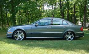 Stock 2007 Mercedes-Benz E63 AMG 1/4 mile trap speeds 0-60 ...
