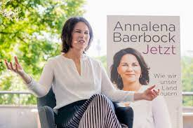 She can become the first member of the green chancellor: Annalena Baerbock Grunen Kanzlerkandidatin Stellt Ihr Buch Vor
