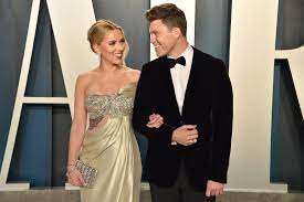 is pregnant, expecting baby with Colin Jost